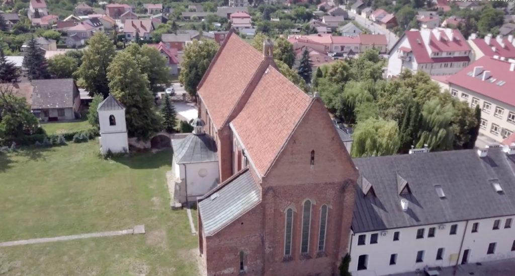 Kościół - ujęcia z drona - filmowelove - sandomierz